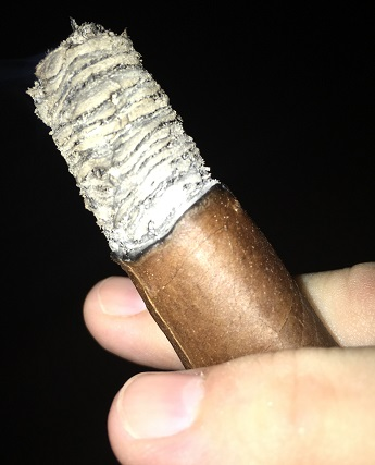 Gurkha Red Witch Robusto 3