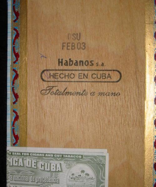 Ramon Allones Small Club Coronas : Partagas factory, February 2003. Note the doubled warranty seals!